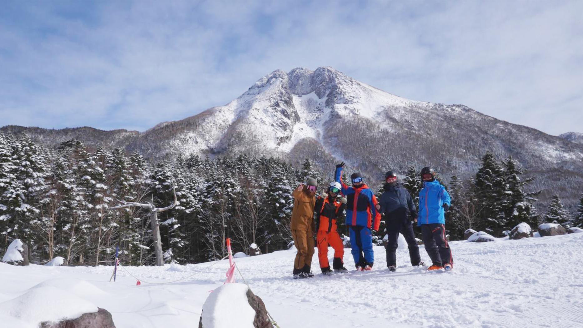 Peak Performance5人で日帰りスキー行ってきましたー!